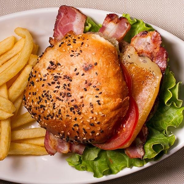 bacon-cheese-burger-aglio-e-oglio-ristorante