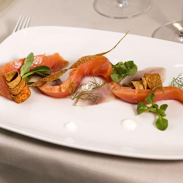 filetto-di-manzo-in-riduzione-di-vino-rosso-aglio-e-oglio-ristorante