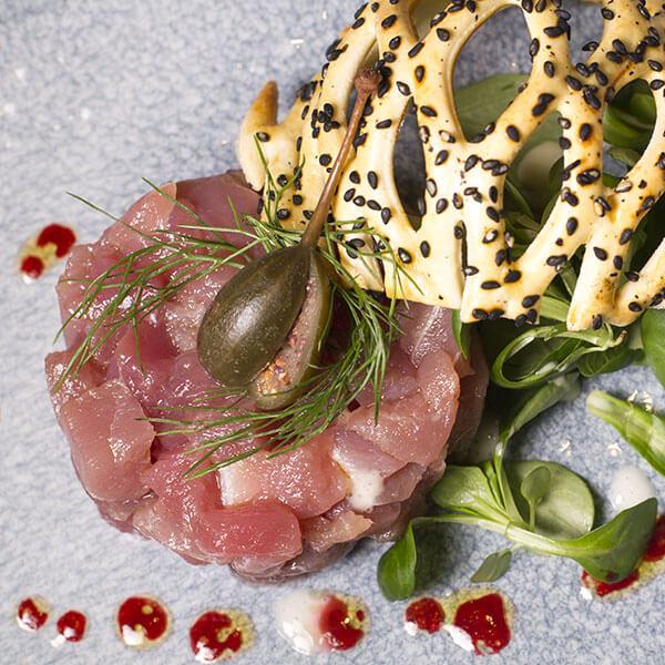 tartare-di-tonno-aglio-e-oglio-ristorante